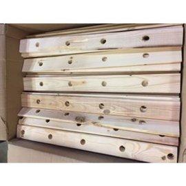 Zoo-Max Box Wooden Stripes (4 holes) Natural ± 4,5 kg