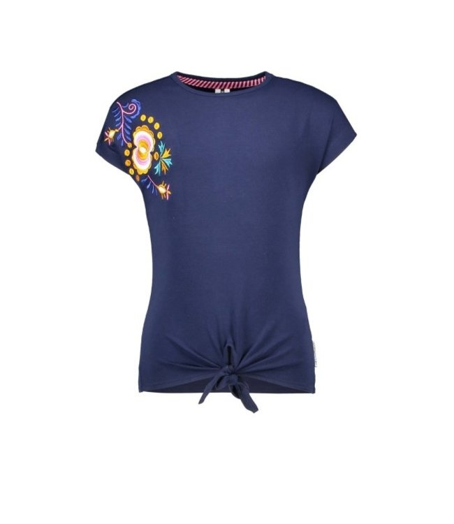 B.Nosy Girls t-shirt with big flower embroidery and knot Y102-5444