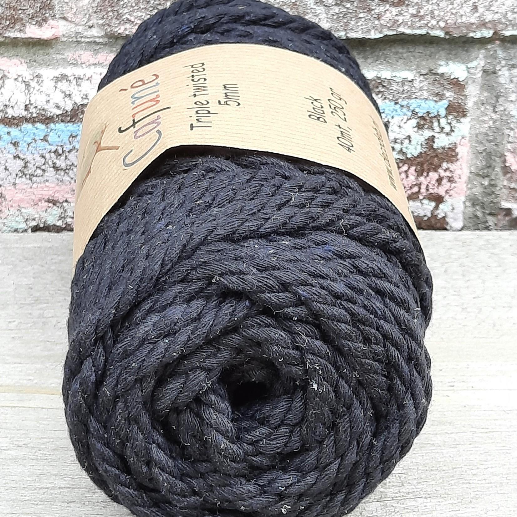 5mm Macramé touw Black Triple twisted uitkambaar