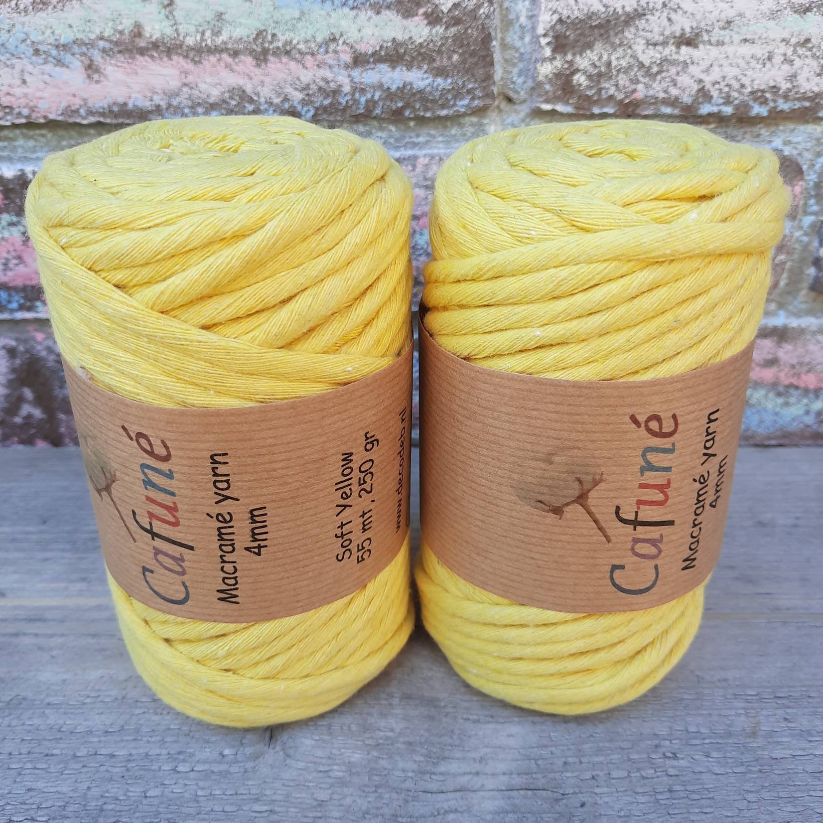 Macrame garen 4mm Soft yellow enkel gedraaid uitkambaar gerecycled katoen