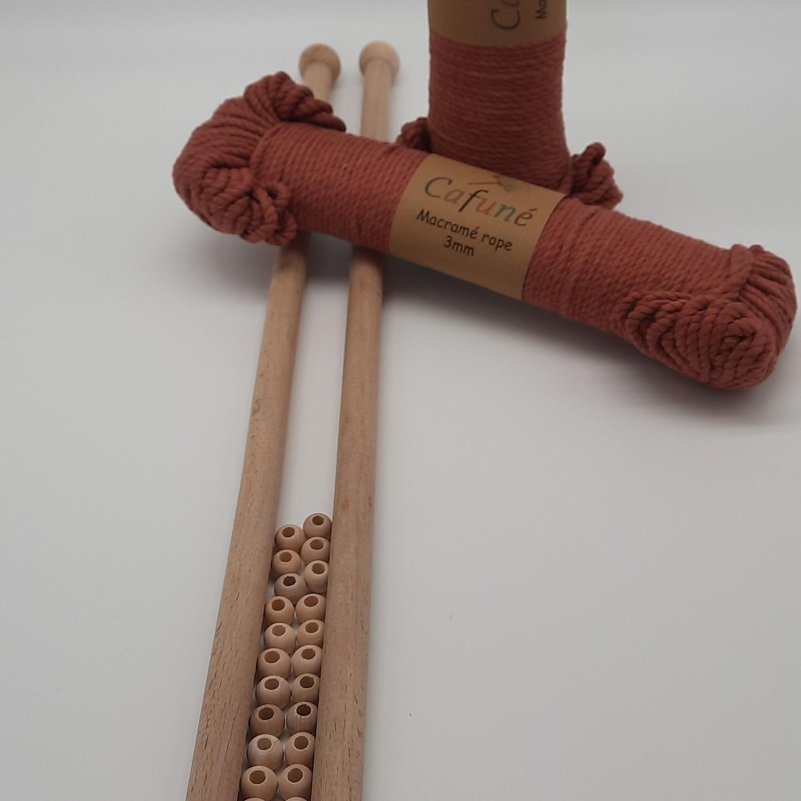 Macramé pakket- Terracotta Macrame touw, 2 houten stokken en kralen