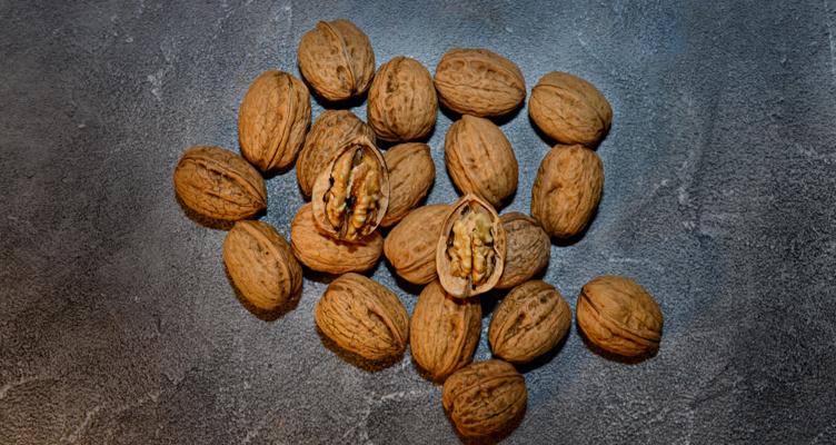 Waarom zijn noten zo prijzig?