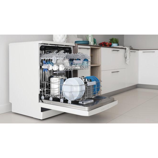 Indesit DFO 3C26 vrijstaande vaatwasser