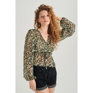 24colours top flower cropped