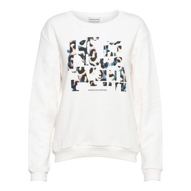 &Co woman stella sweaters of white