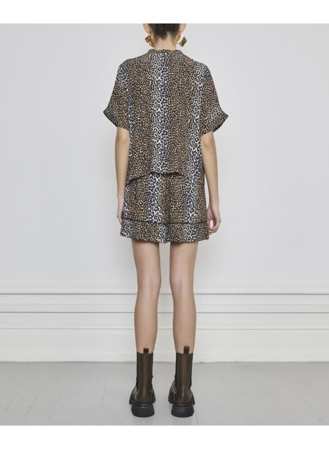 Notes du Nord leopard short