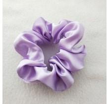 Scrunchie satijn look lila