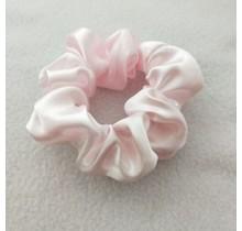 Scrunchie satijn look baby roze