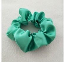 Scrunchie satijn look donker mint groen