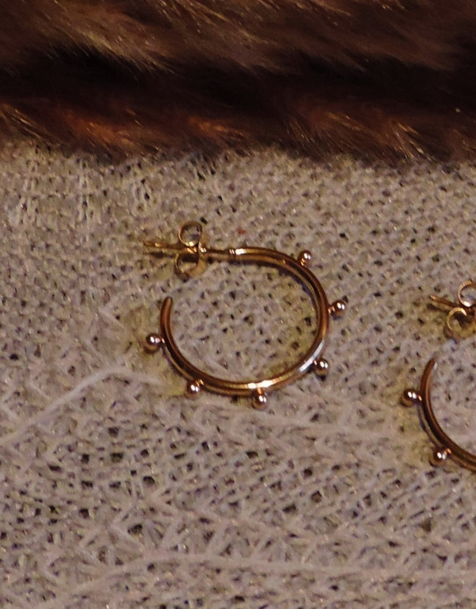 Circle dot earrings