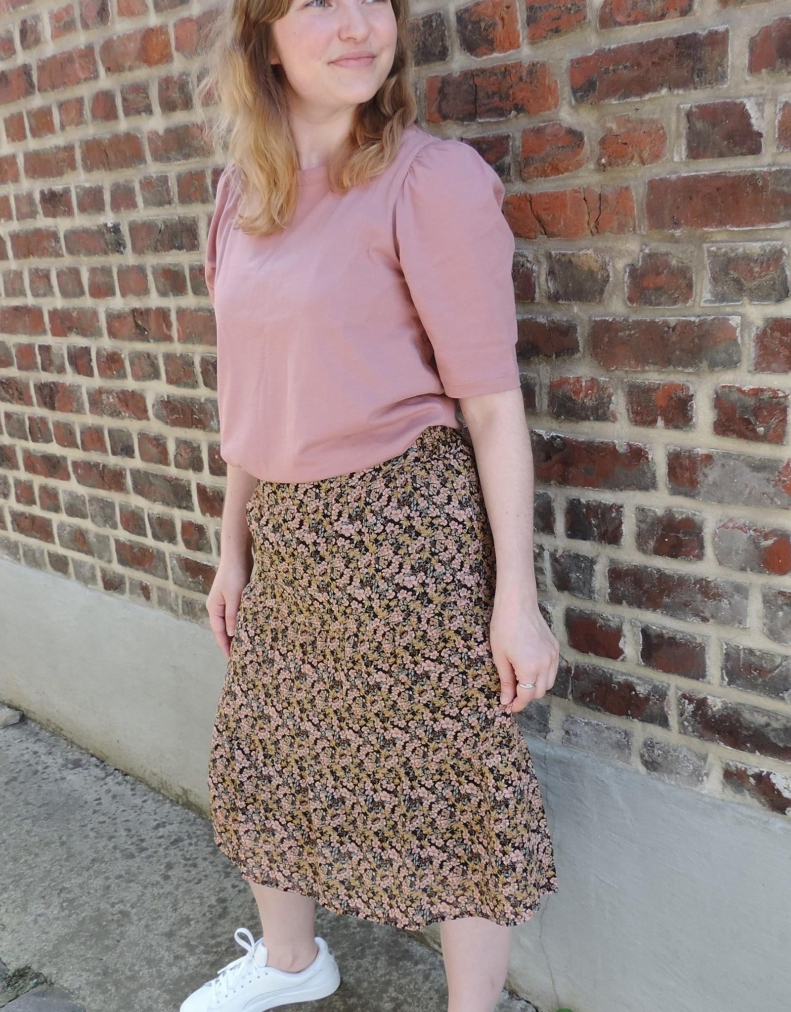 Martha Rikkelie skirt
