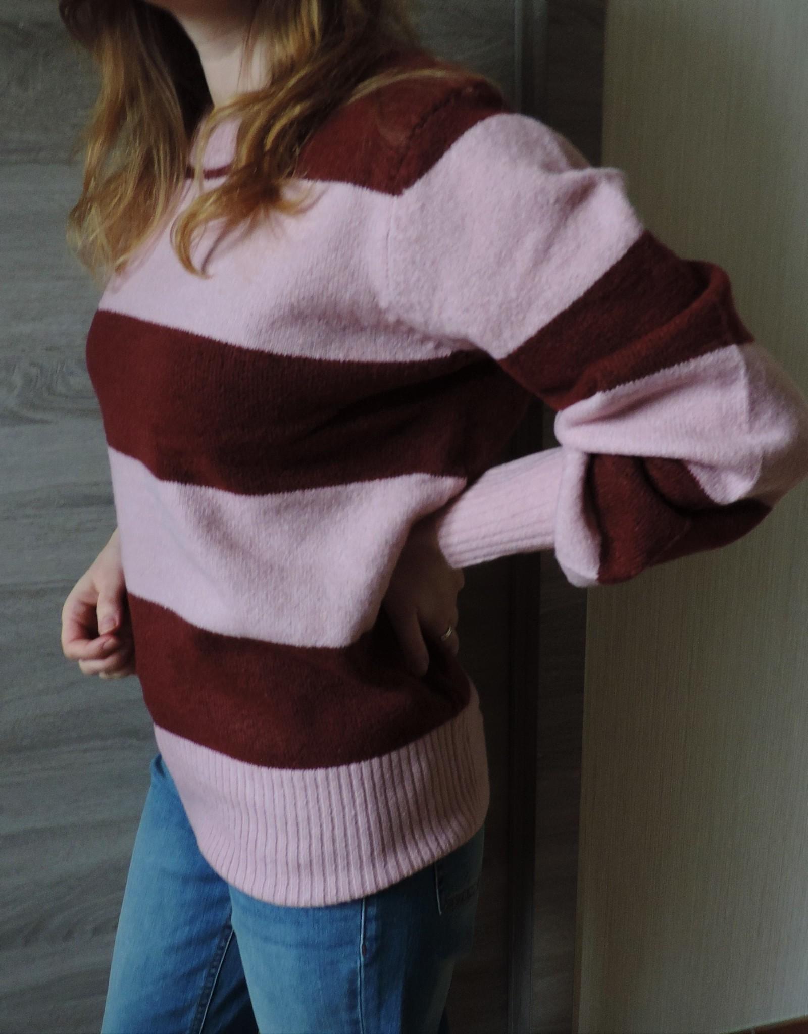 Dea knit