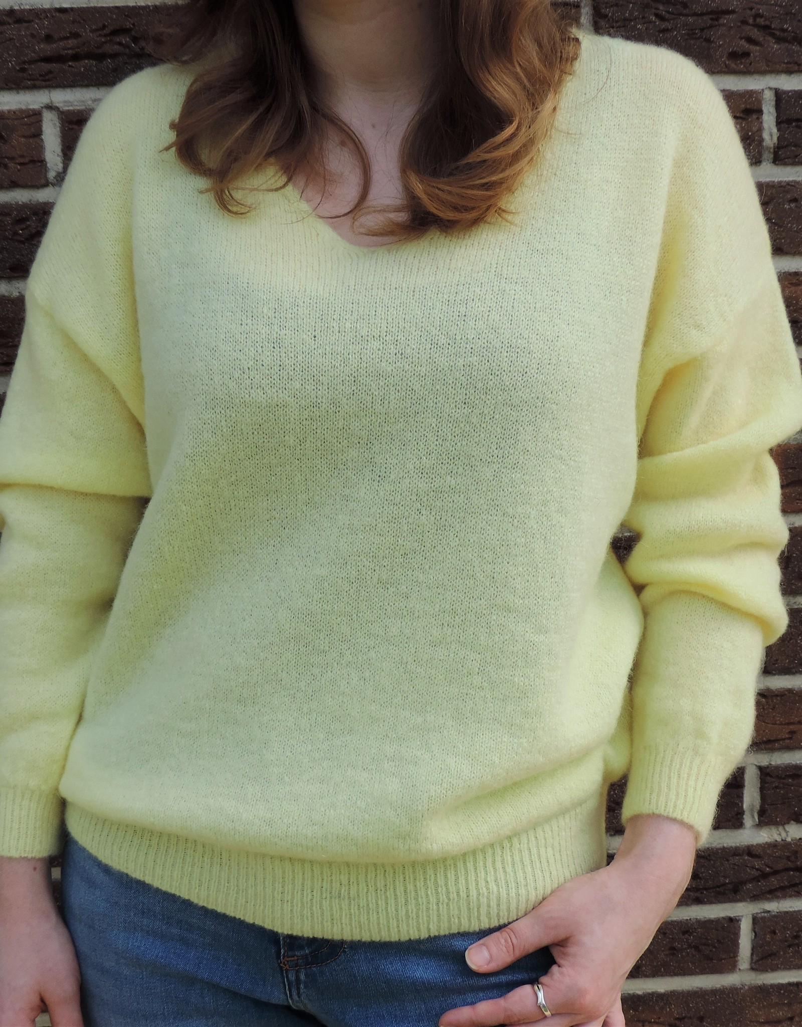 Spring knit yellow