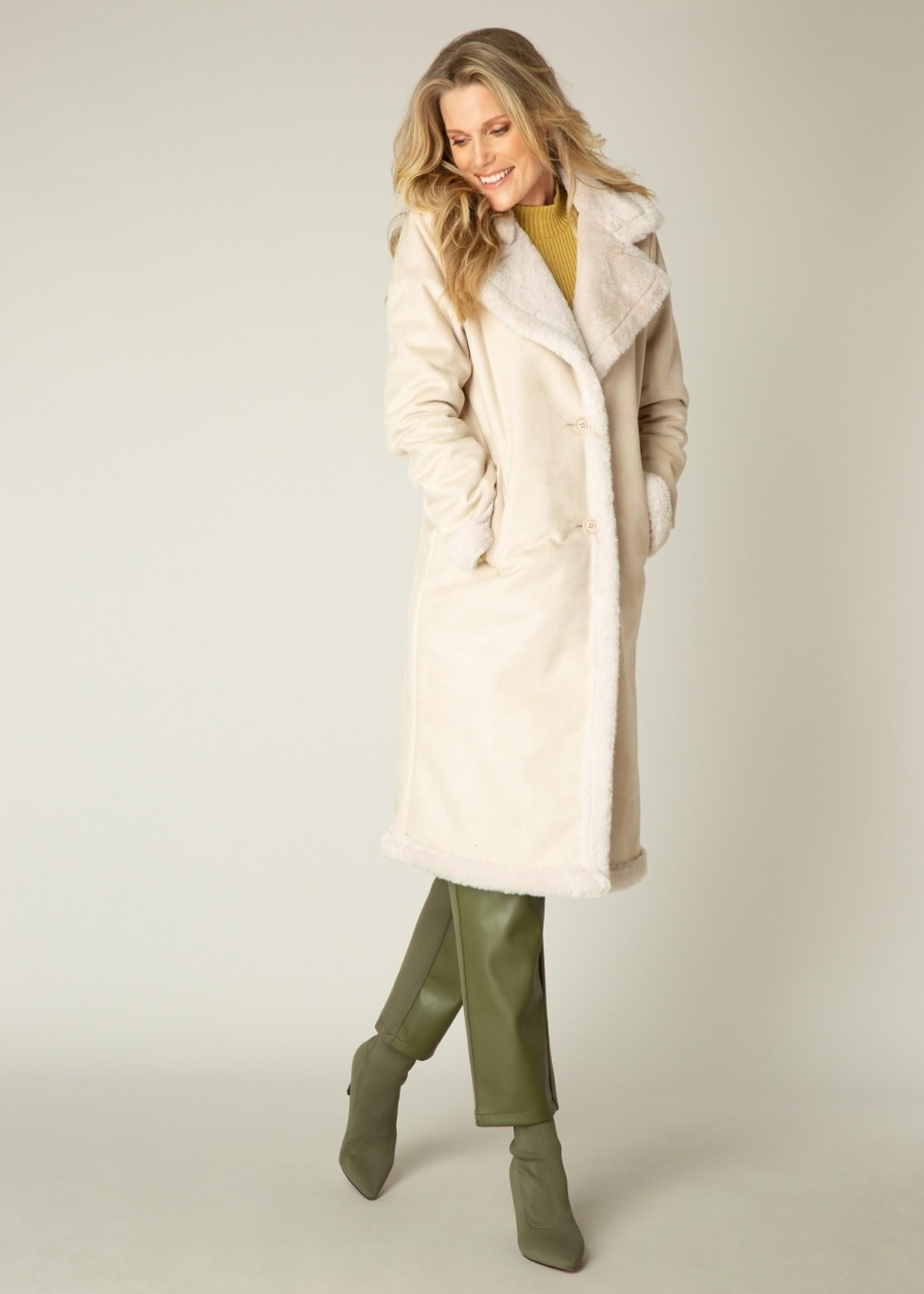Yest Yest Sandy White Coat