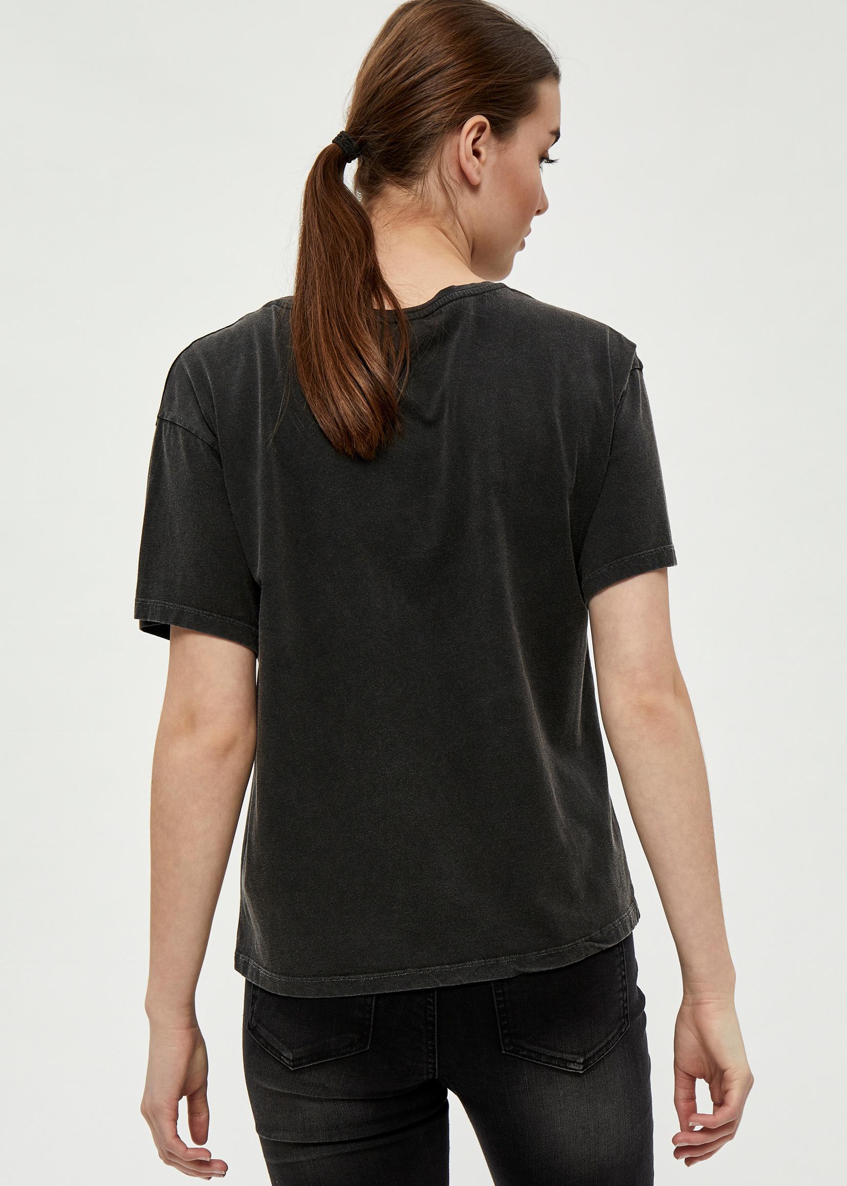Desires Desires Gal T-shirt