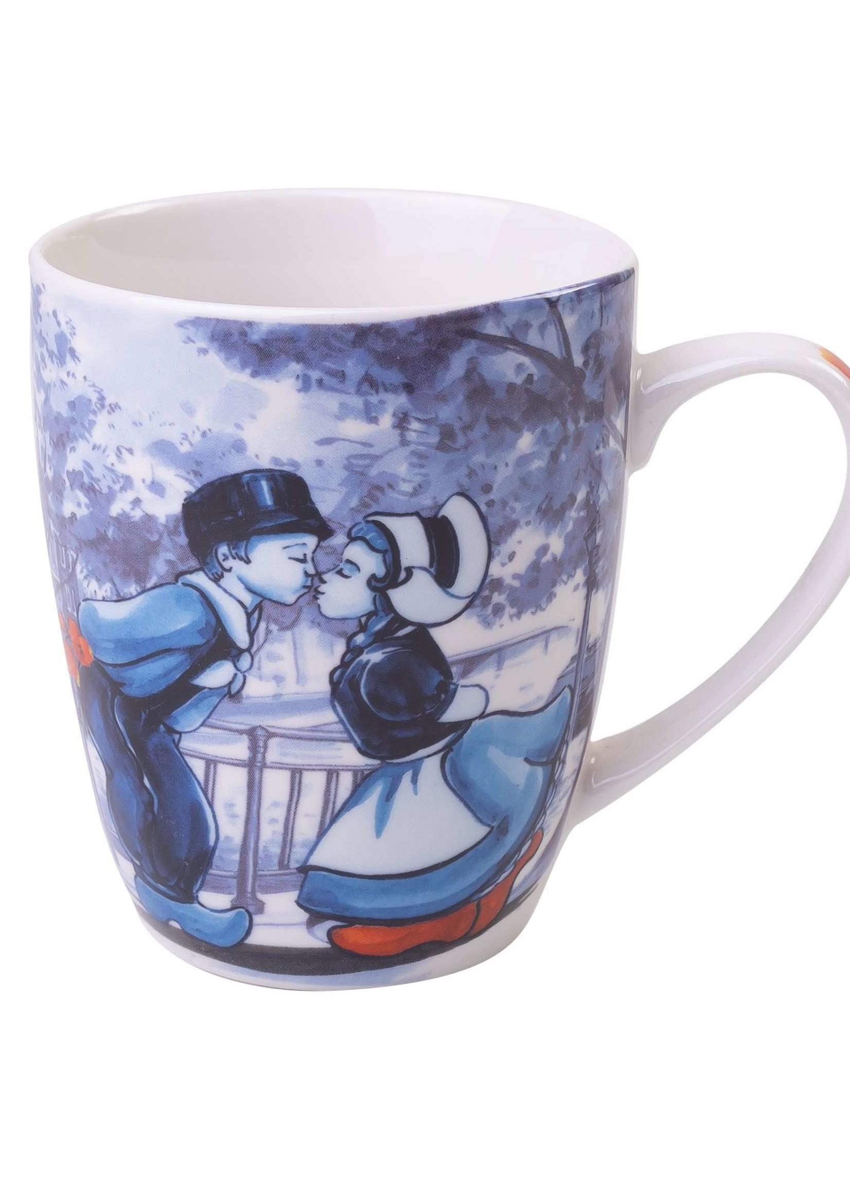 Heinen Delfts Blauw Delfts Blauwe Mok met een Hollands Kussend Paar, 300 ml
