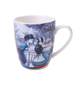 Heinen Delfts Blauw Delft Blue Mug with a Dutch Kissing Couple, 300 ml / 10,1 oz