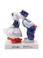Delft Blue Kissing Couple (8 cm)