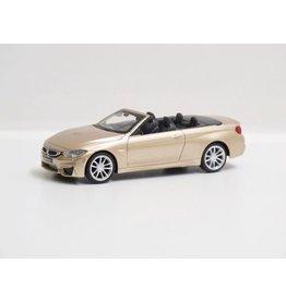 BMW M4 Cabrio Pullback