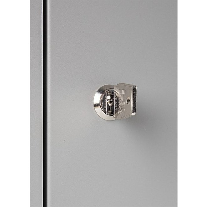 A-Locker 3 deurs Wit Met 12 Legplanken