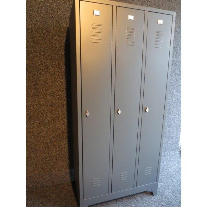 A-Locker 3 deurs Antraciet Met 12 Legplanken