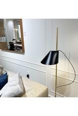 YUH LED FLOOR LAMP IN BRASS