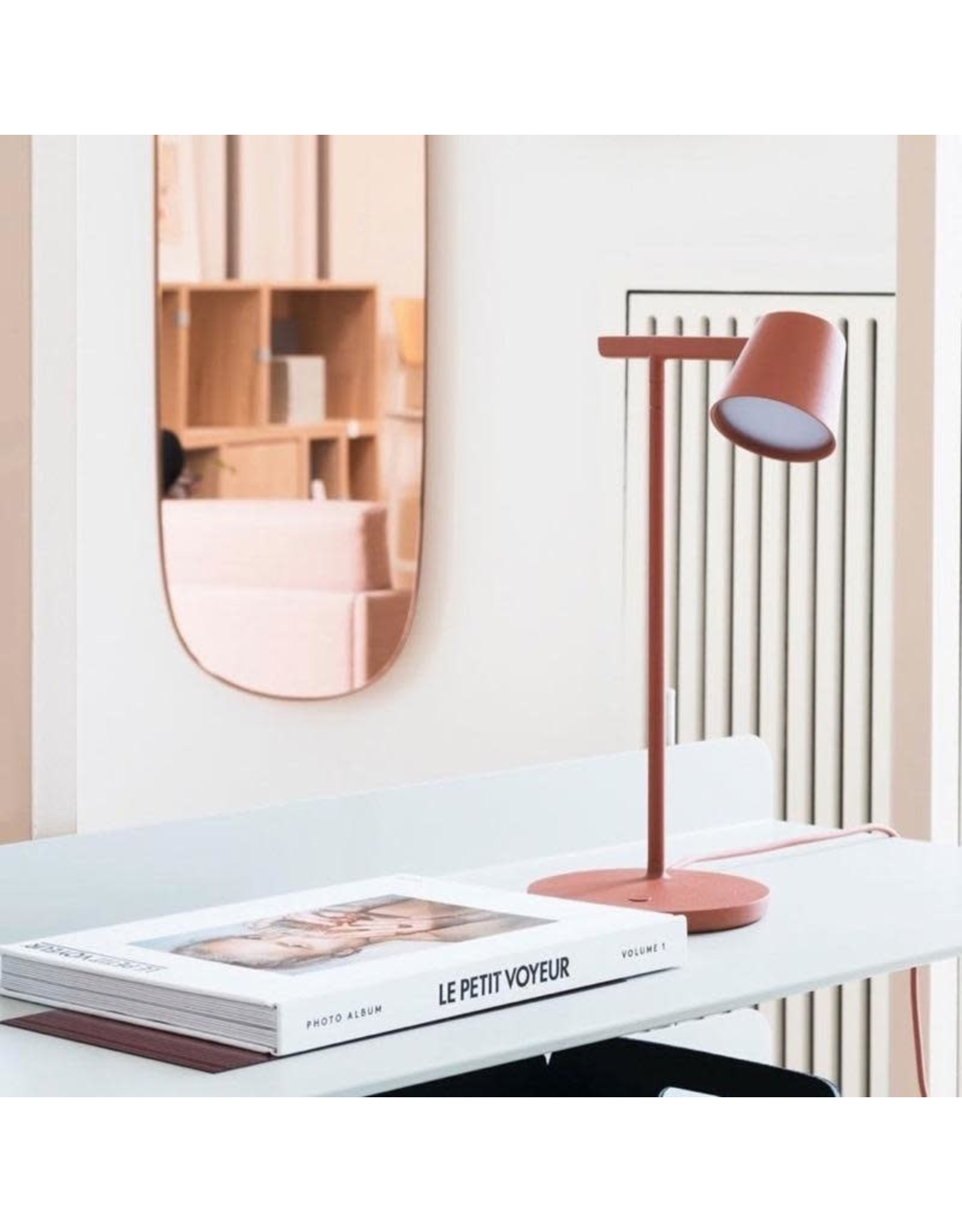 TIP TABLE LAMP IN COPPER BROWN