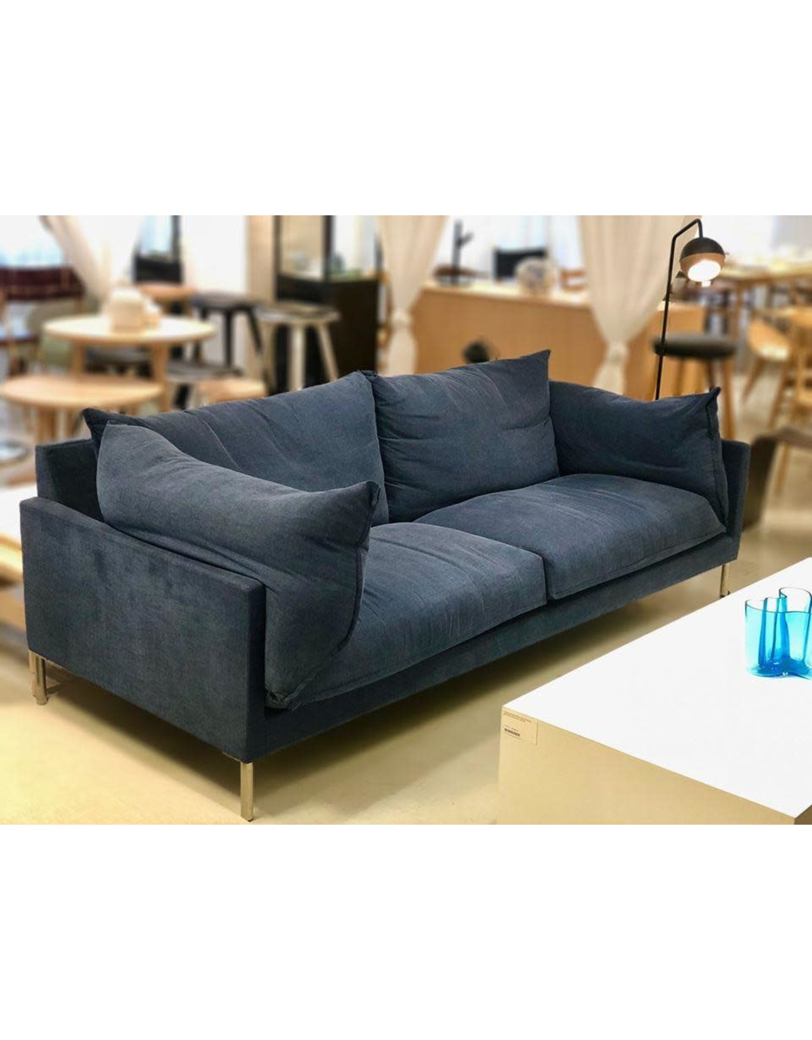 BUTTERFLY SOFA IN BLUE FABRIC