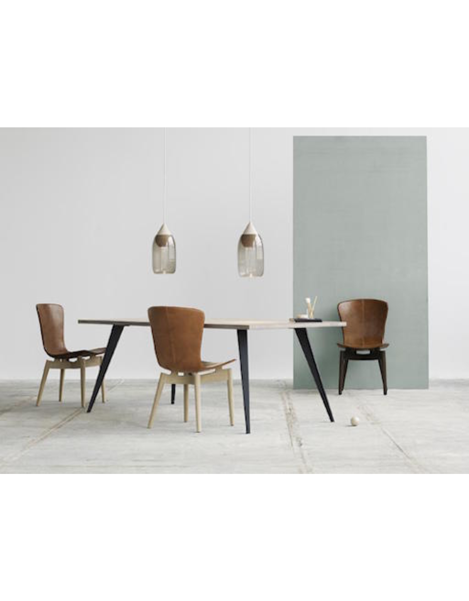 MATER SHELL DINING CHAIR IN SORENSEN DUNES RUST LEATHER