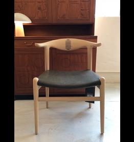(陳列品) PP505 牛角椅