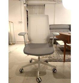 FLOKK PROFIM ACCISPRO 150SFL 扶手滾輪辦公椅