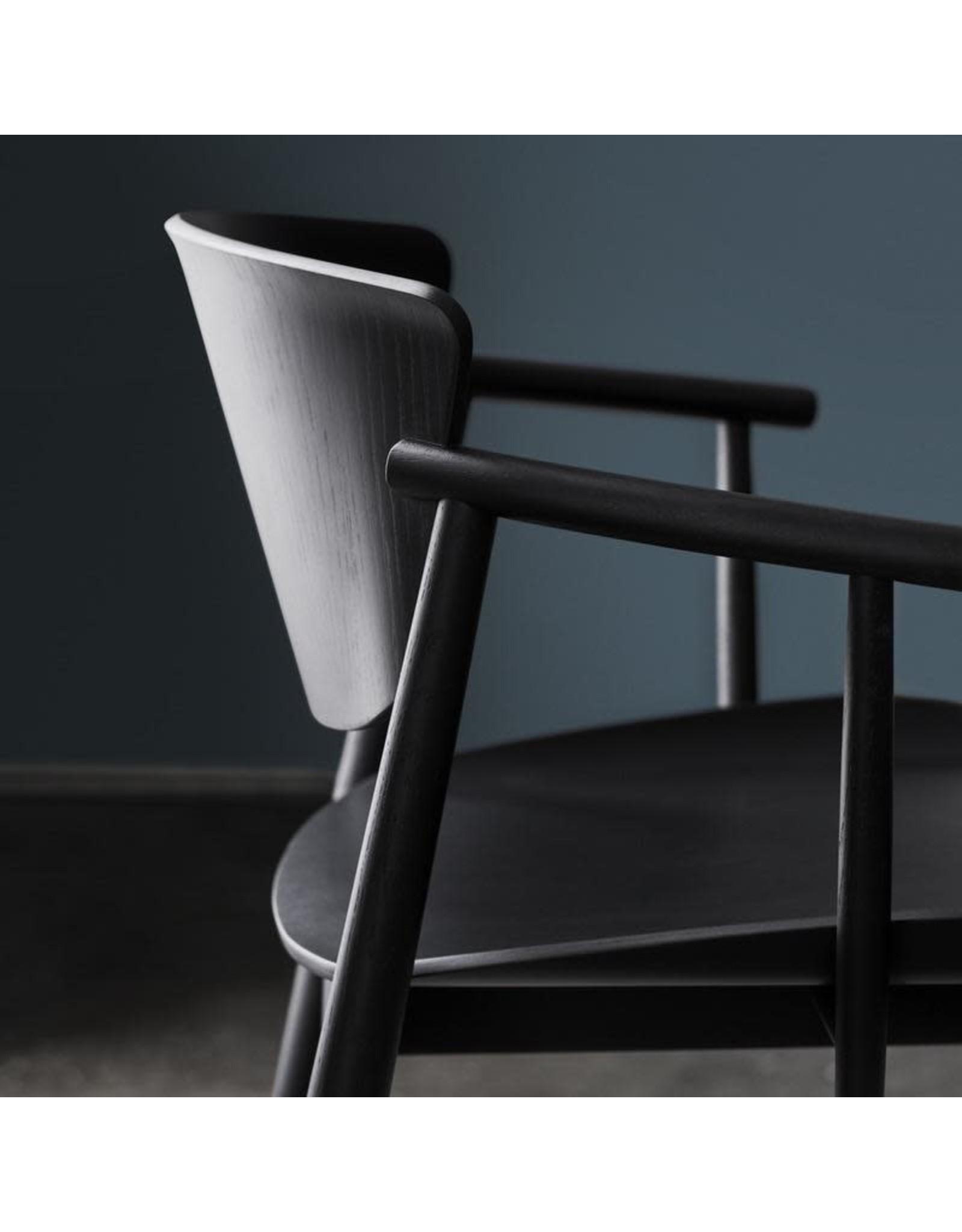 N01 扶手椅