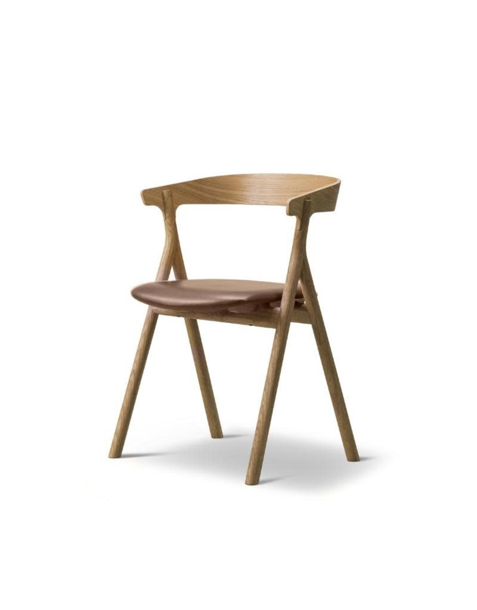 3341 YKSI 皮革椅子