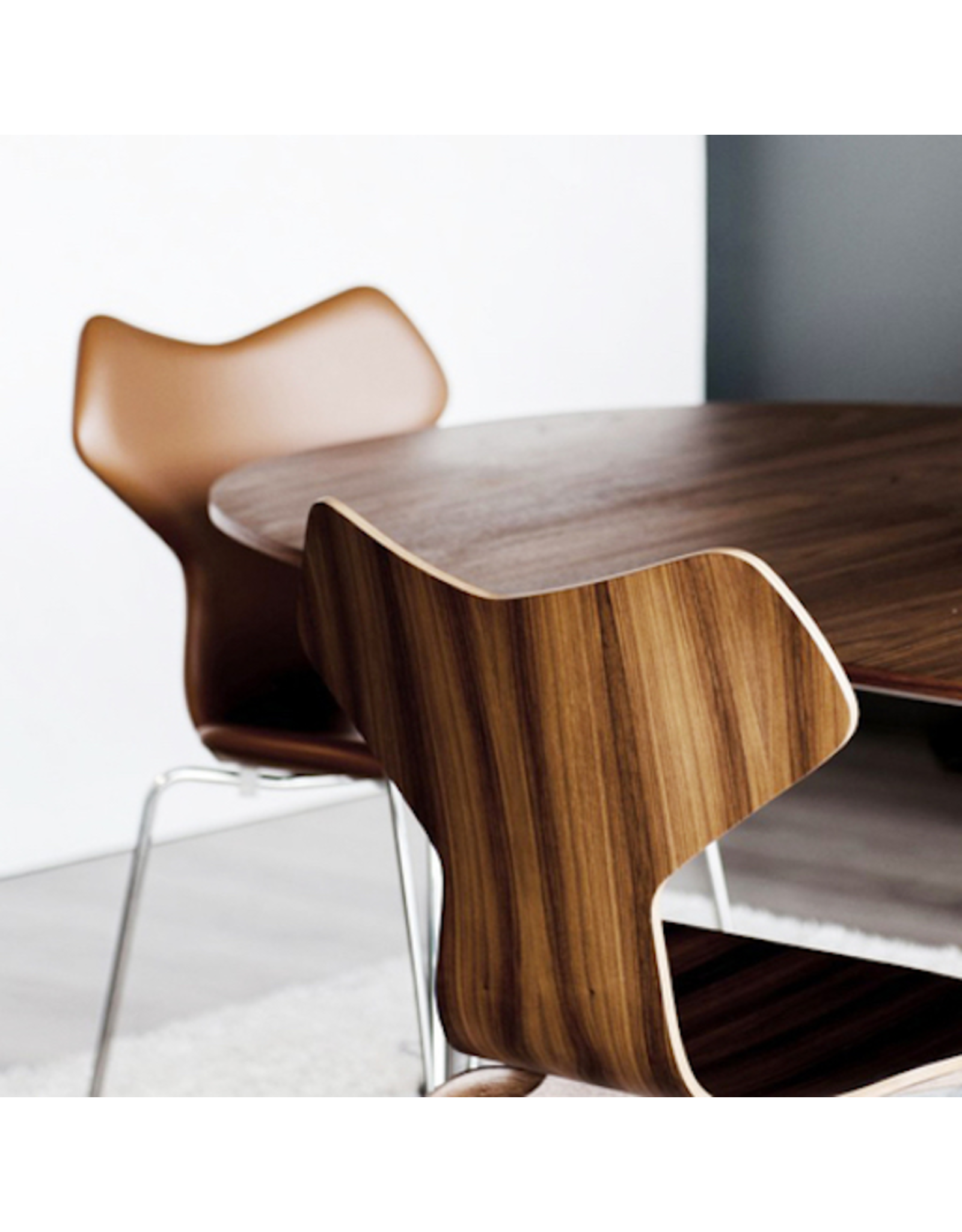 3130 GRAND PRIX STACKABLE CHAIR IN WALNUT