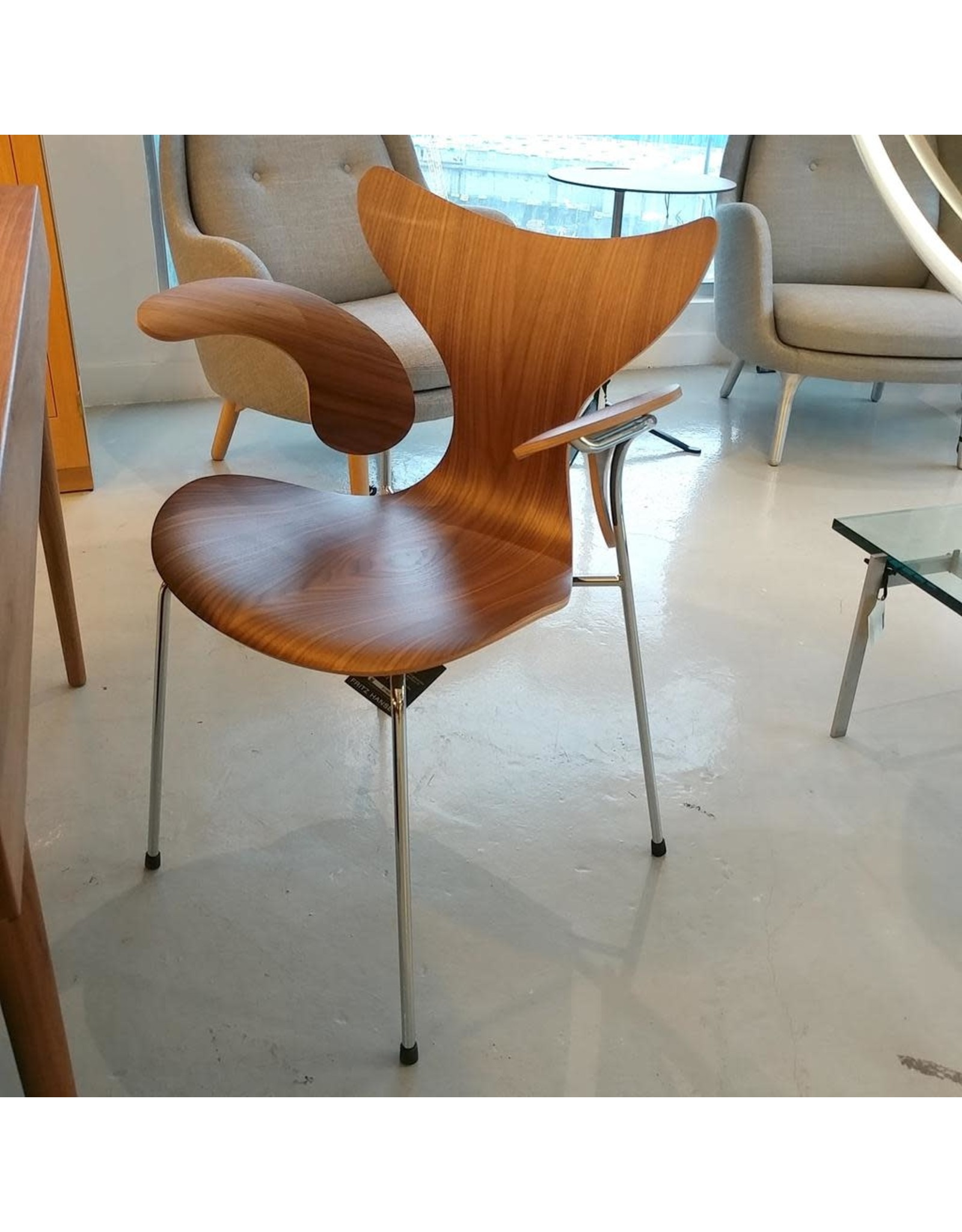 3208 LILY 50週年限量版扶手椅