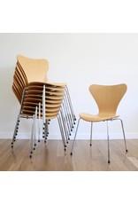 FRITZ HANSEN 3107 系列7 透明漆面餐椅