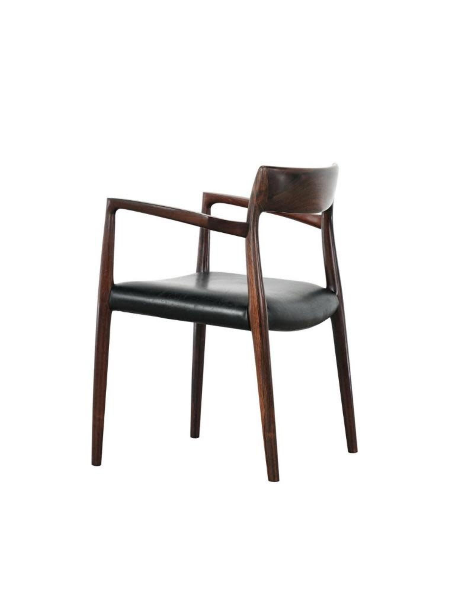 型號57 MØLLER 扶手椅