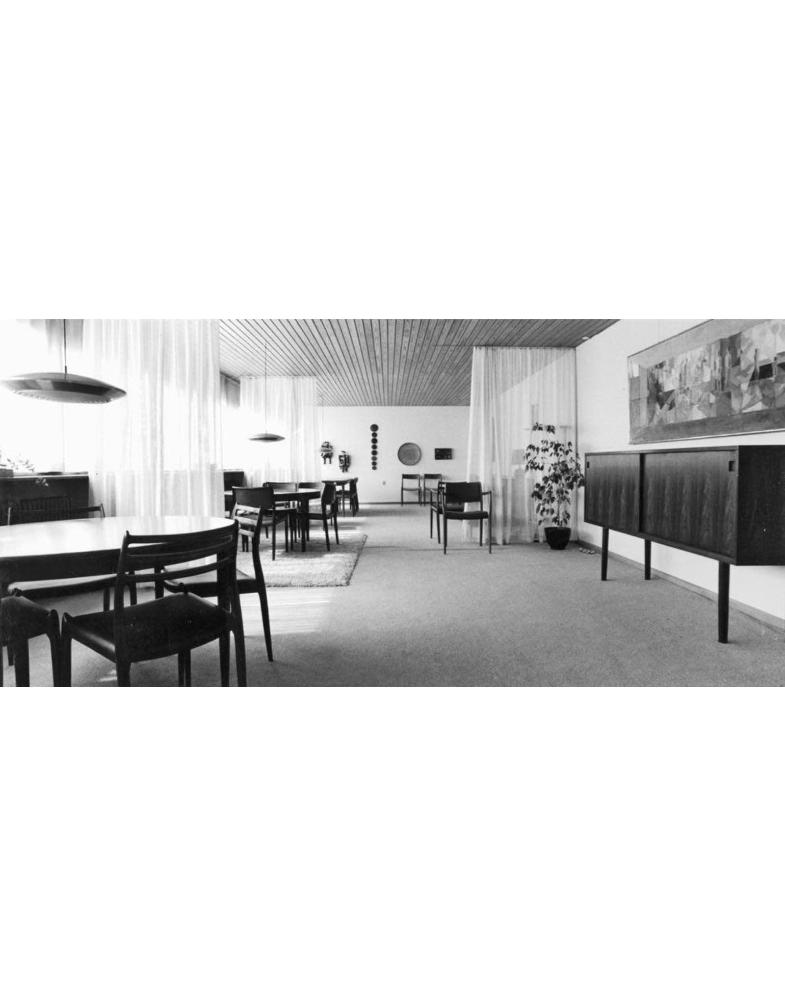 J.L. MØLLERS MODEL 78 MOLLER CHAIR IN WALNUT