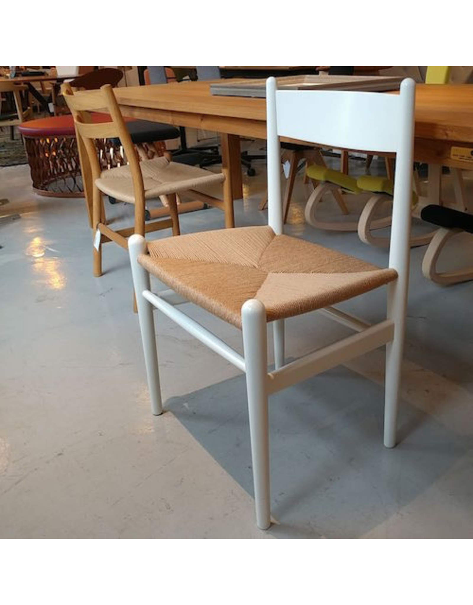 CH36 DINING CHAIR IN WHITE LACQUERED BEECH
