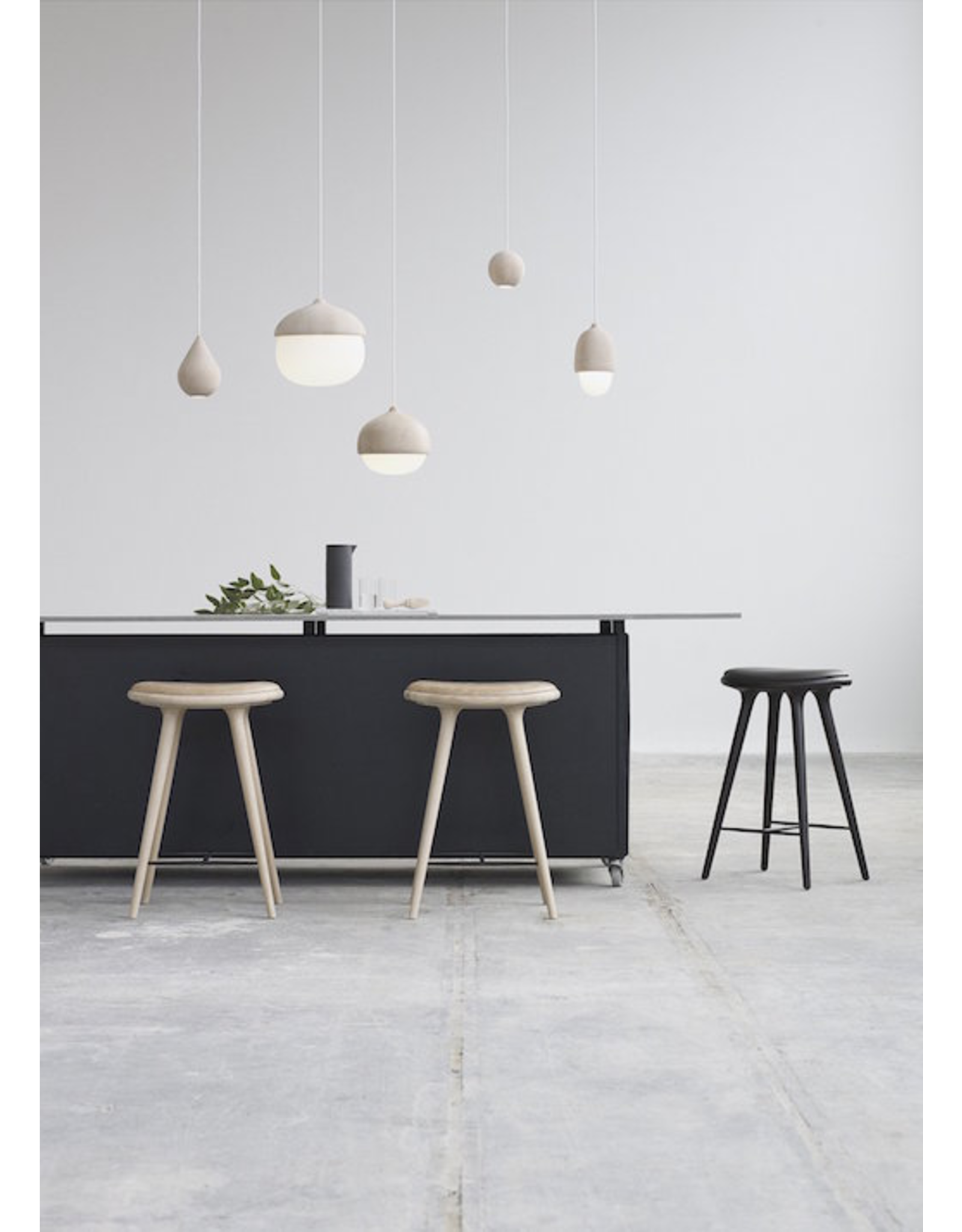 MATER ETHICAL 优质灰橡木表面中高凳