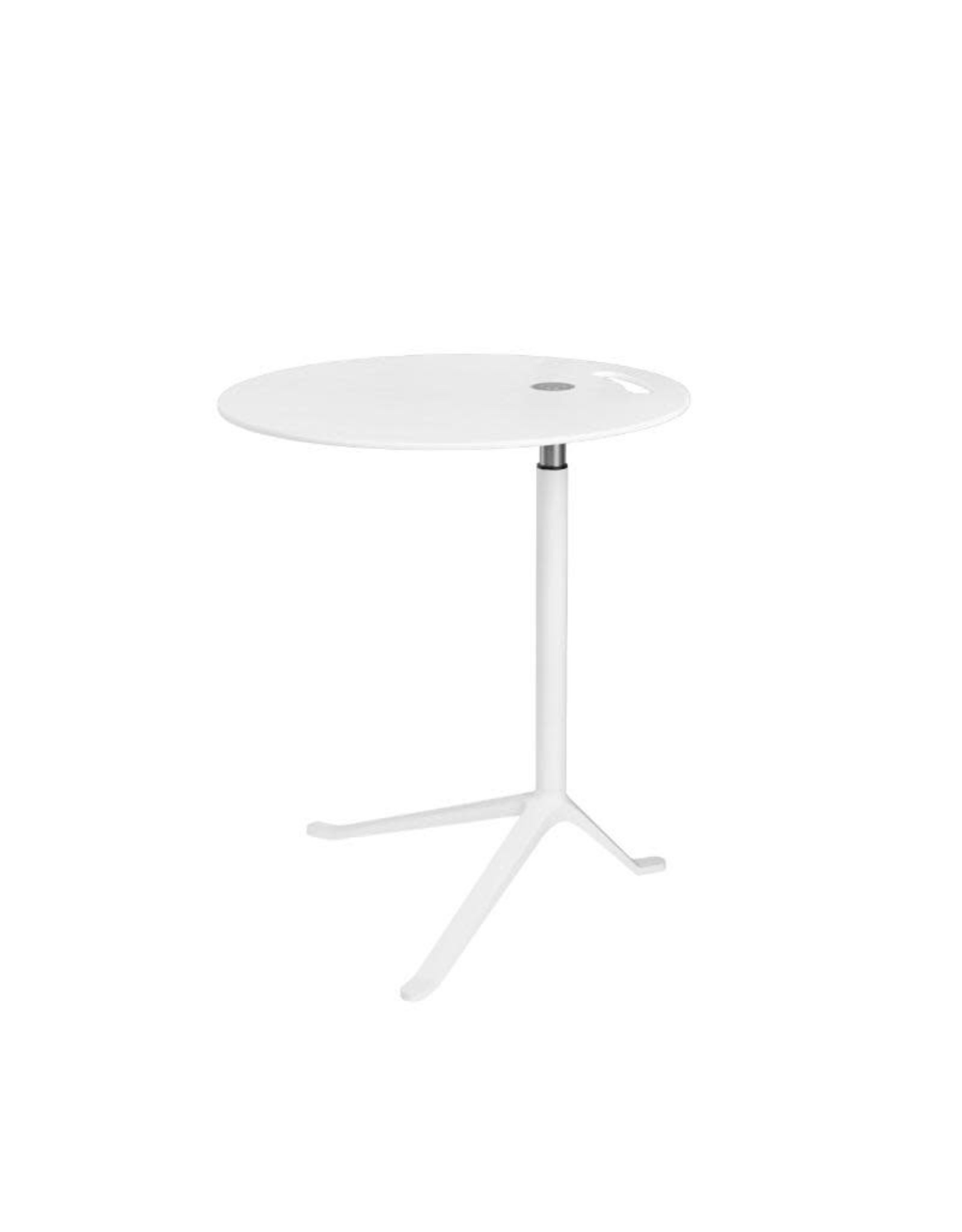 FRITZ HANSEN KS11 LITTLE FRIEND TABLE IN WHITE