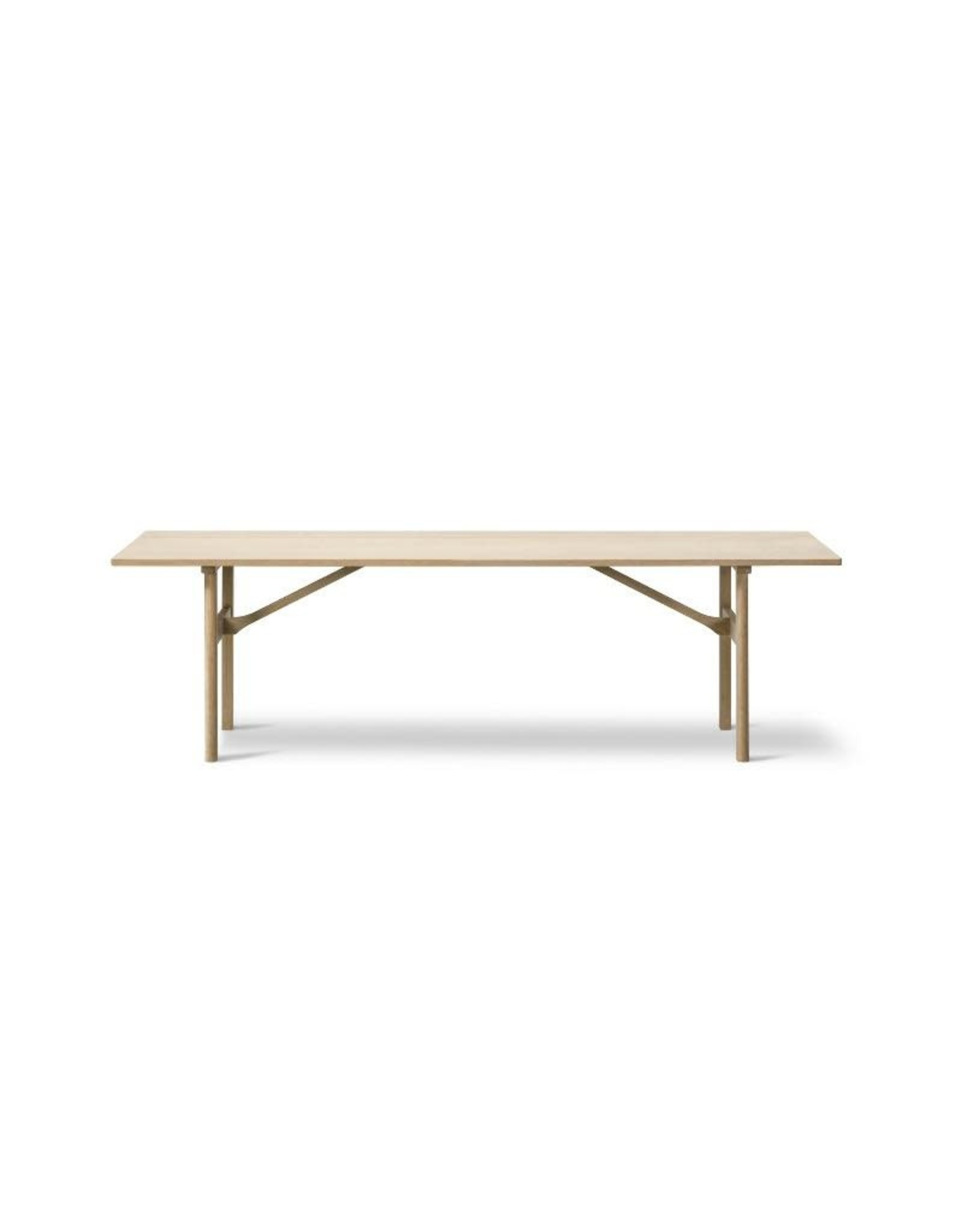FREDERICIA 6384 DINING TABLE