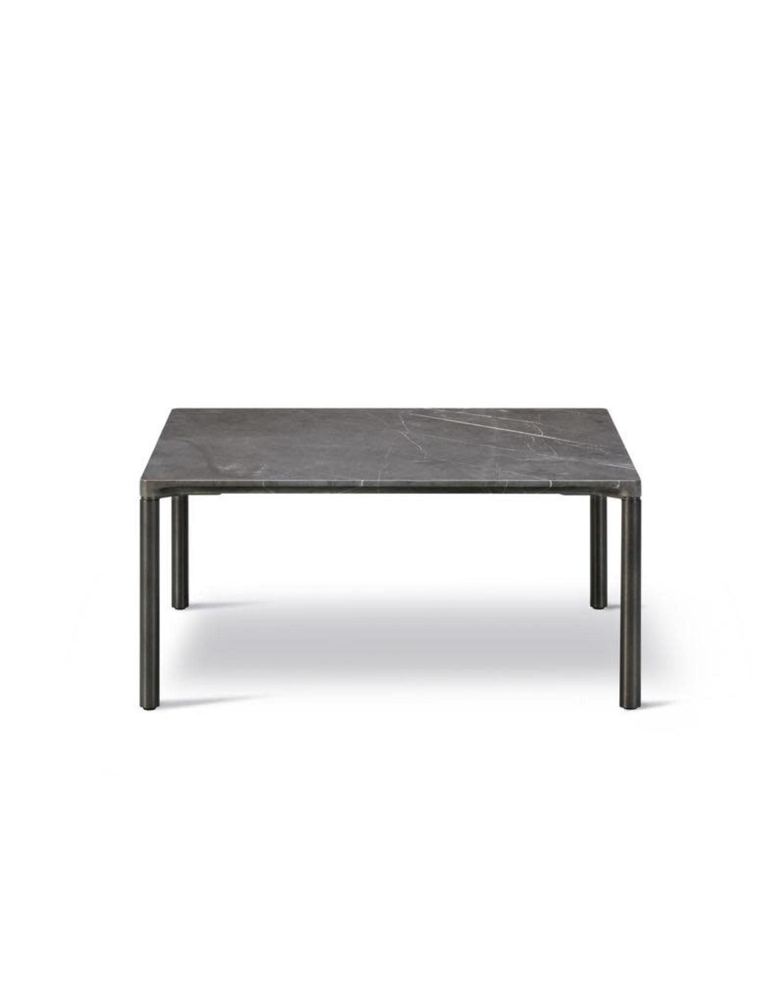 6750 PILOTI 石桌