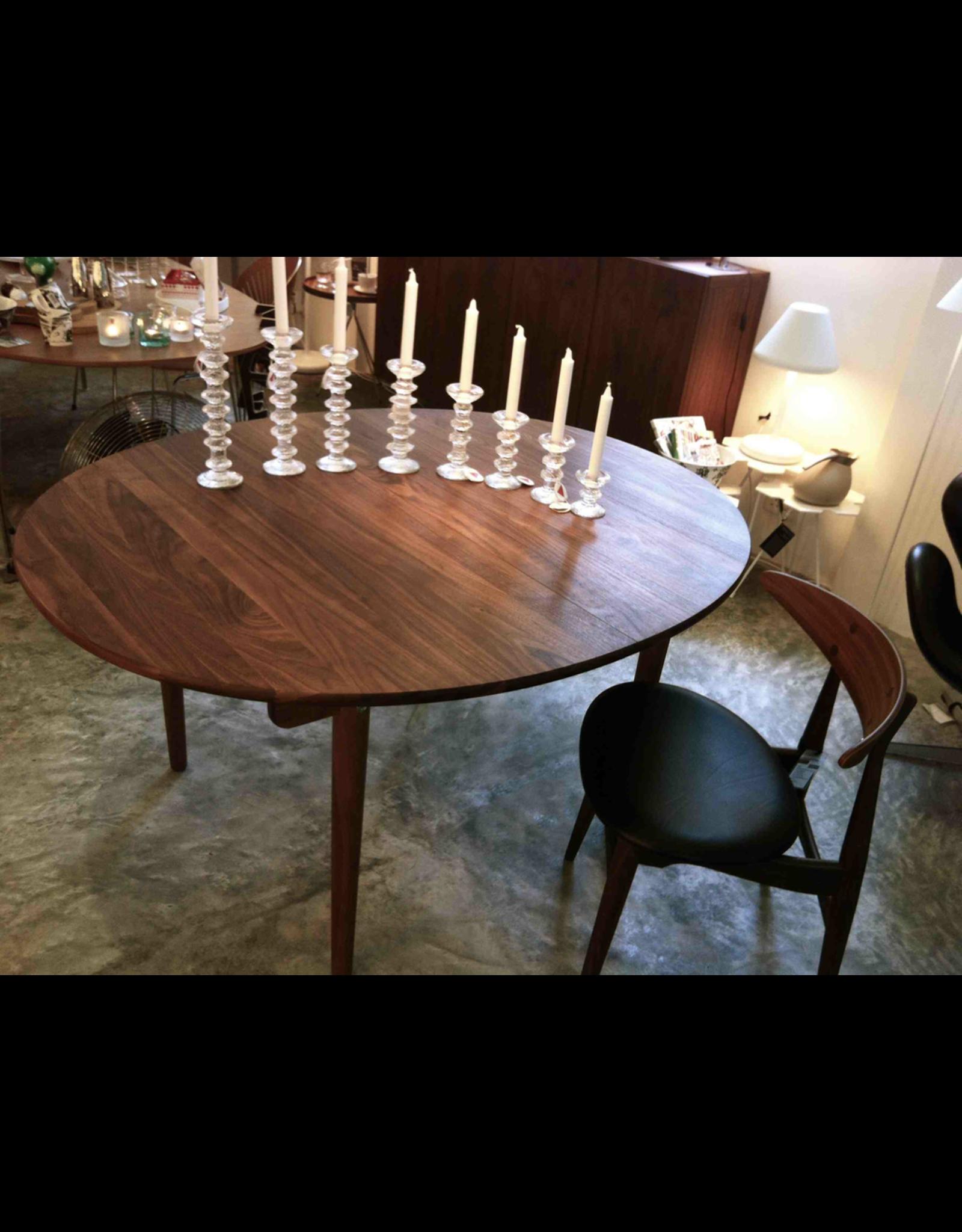 CH337實心胡桃木橢圓可延伸餐桌