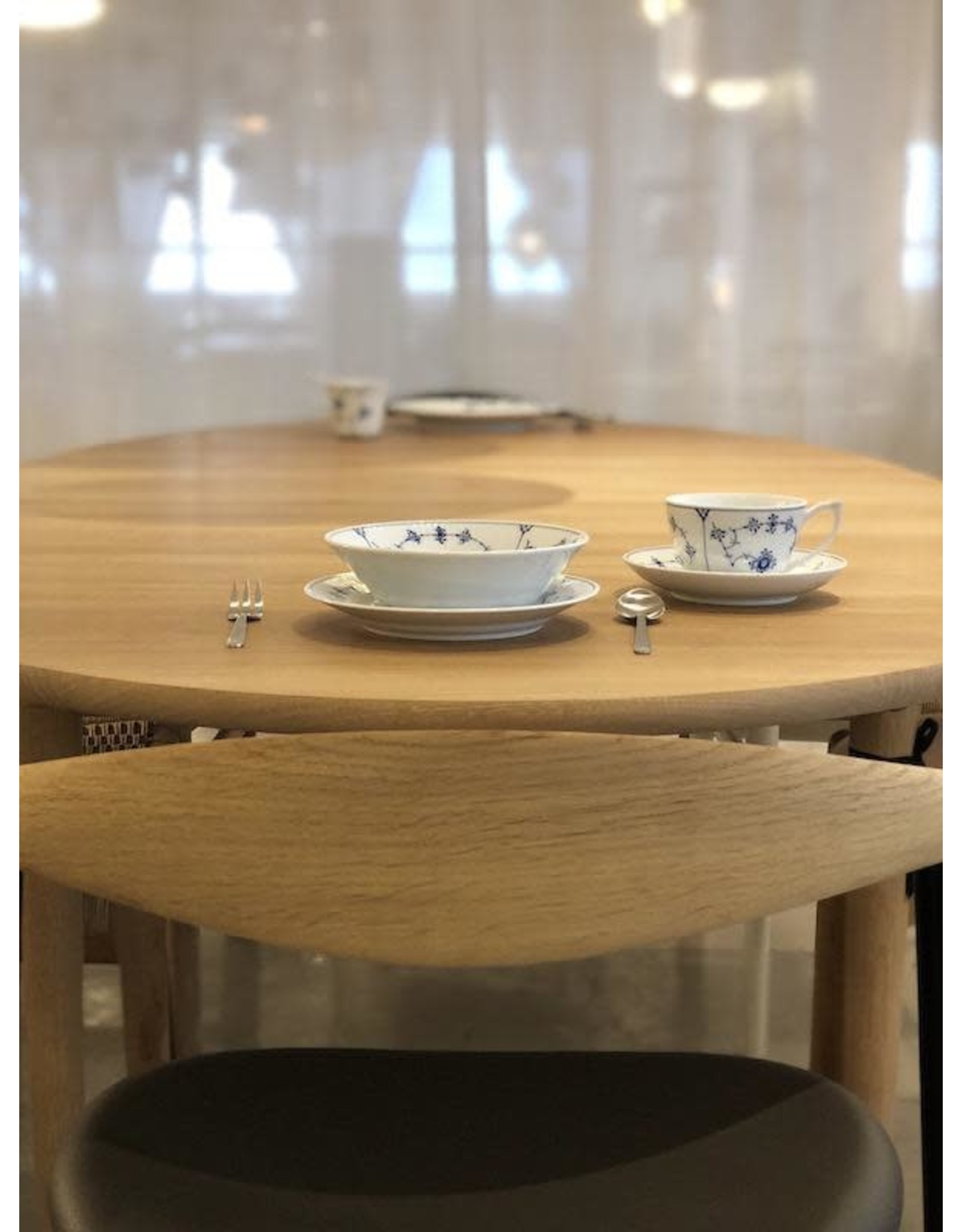 CH339 EXTENDABLE DINING TABLE