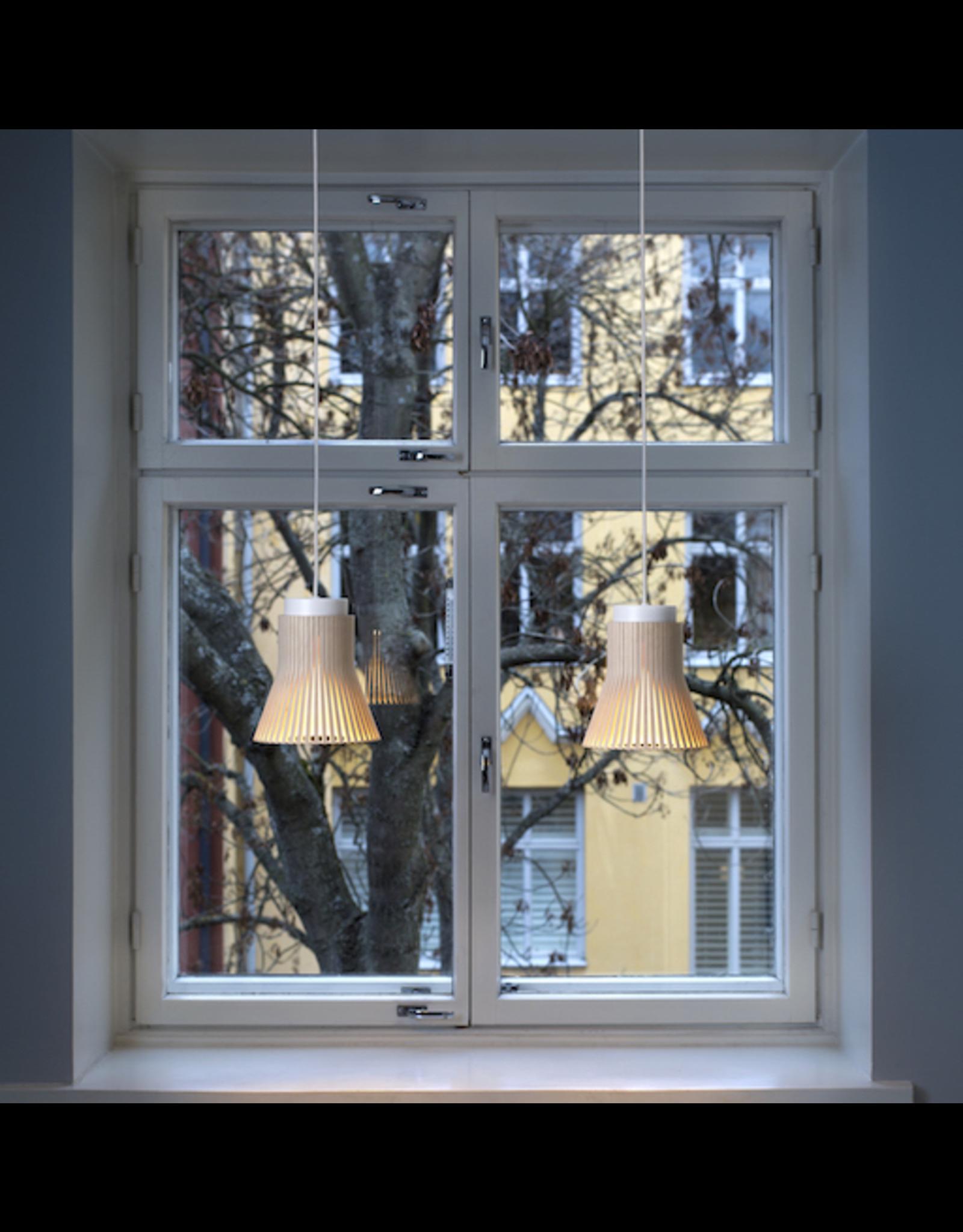 4600 PETITE PENDANT LAMP IN WALNUT VENEER