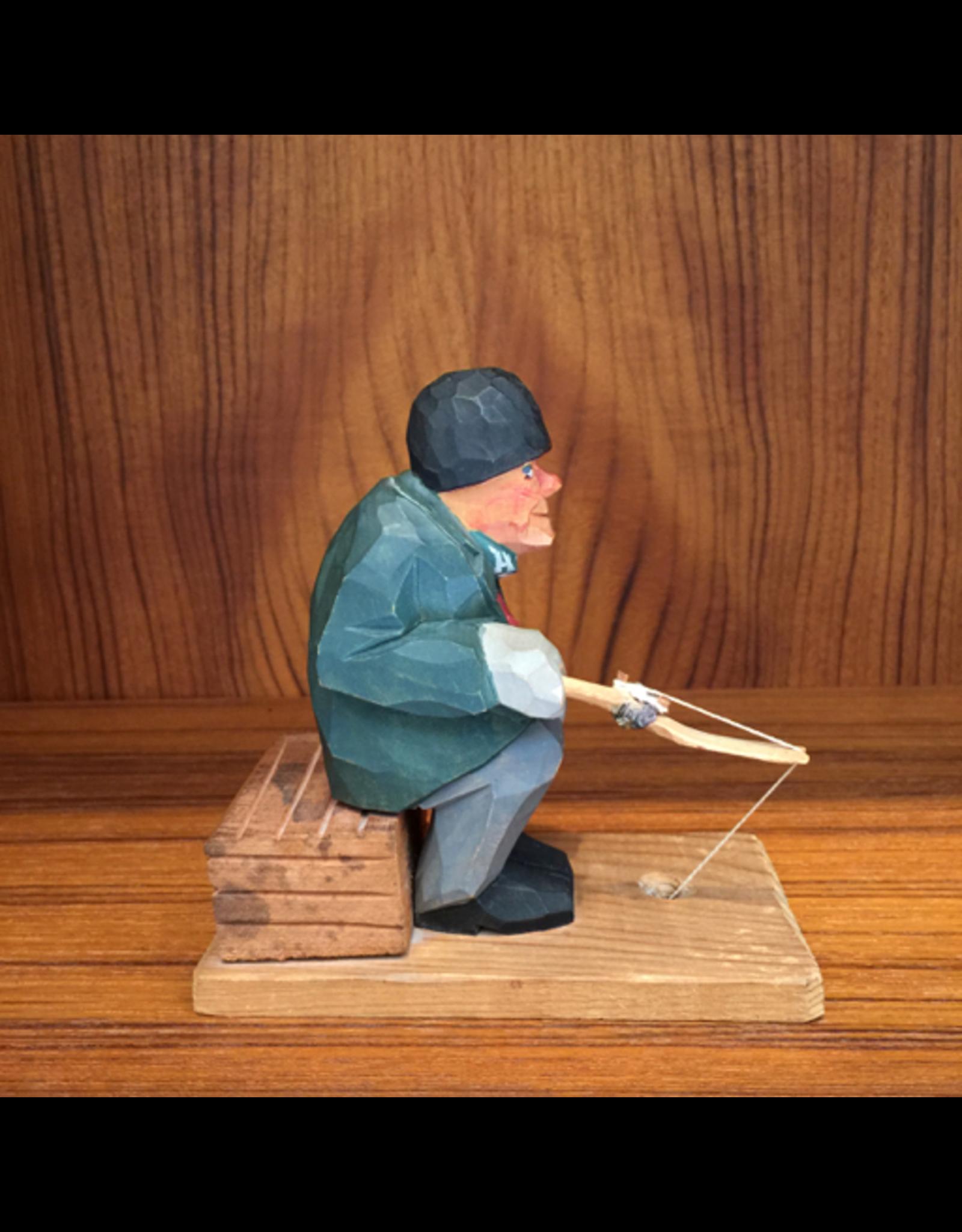 MANKS ANTIQUES PAINTED WOOD CARVING 老瑞典人钓鱼油彩木雕刻
