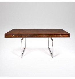 BODIL KJAER 設計的胡桃木辦公桌