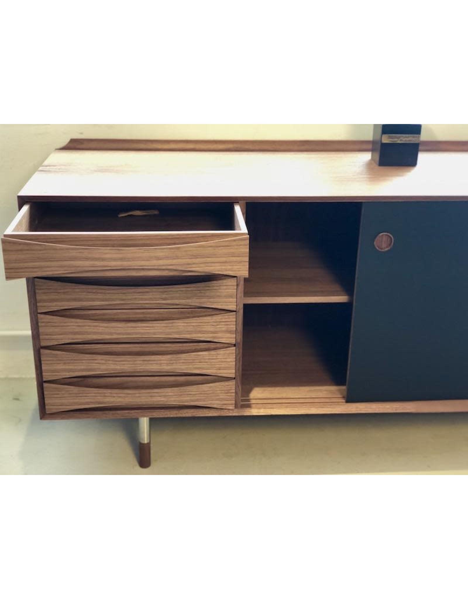 AV02 櫥櫃