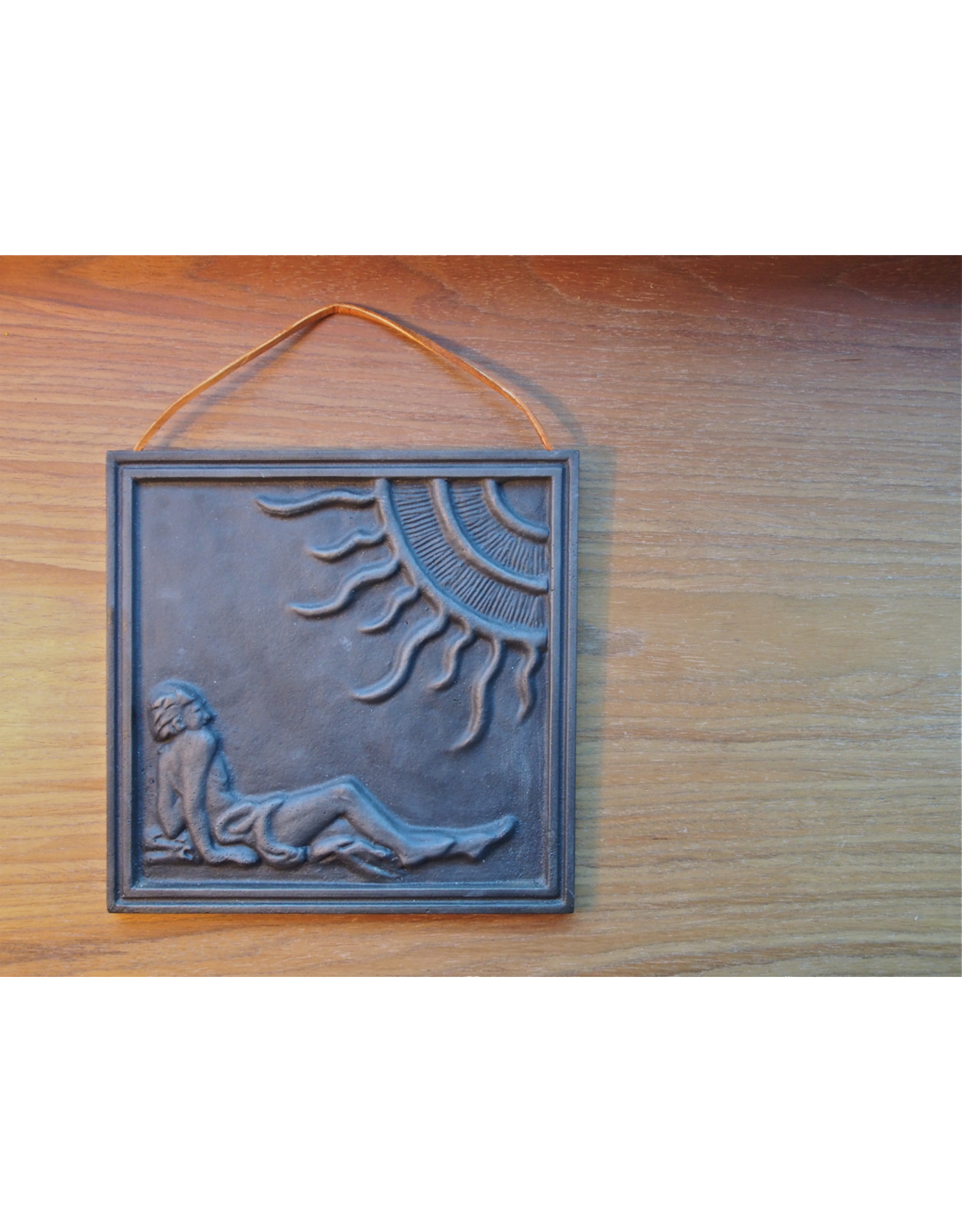 MANKS ANTIQUES METAL WALL PLAQUE